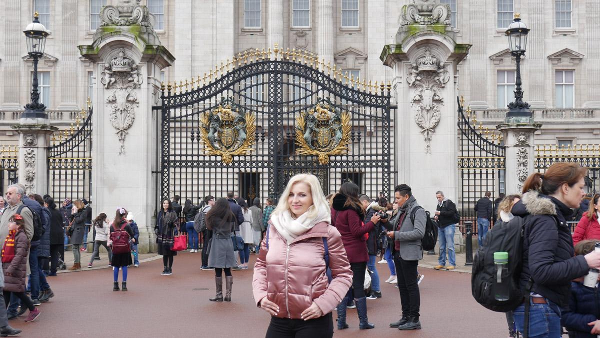 Buckingham palace-blogger Ana-Maria Hota Life-in-Dublin